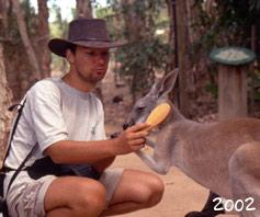 Jens bürstet ein Känguru 2002